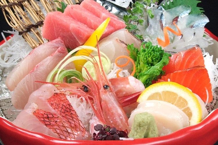 居酒屋「北の仲買人三八」&「吉田三八商店」で海鮮料理を存分に