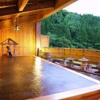 「くつろぎの宿 向瀧」で堪能する絶景露天風呂。身も心も癒される宿へ