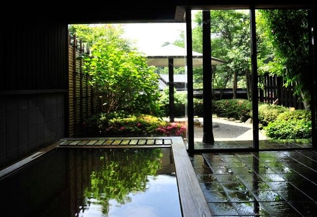 自家源泉の新鮮な温泉を贅沢に楽しもう