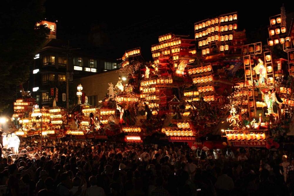 豪華絢爛な山鉾が並ぶ「日田祇園祭」
