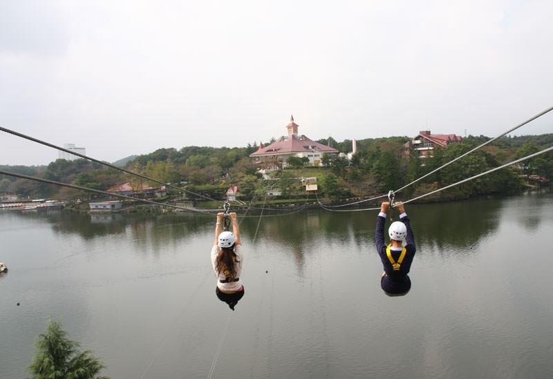 世界初となる湖上滑空に注目!「那須りんどう湖レイクビュー」