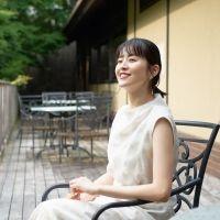 鈴木ちなみさんの夏の大阪旅コーデをスタイリストが解説!