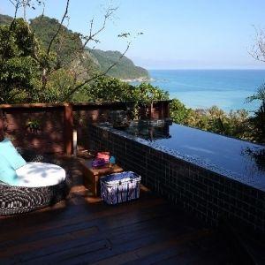 【台湾情報】窓の外はロータスが咲く池、青い海。花蓮の隠れ家的ヴィラで癒しのバカンス
