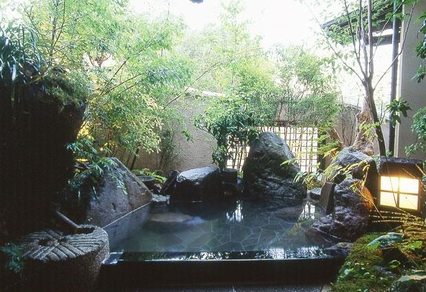露天風呂付客室のある宿①摘み草の宿 こまつ