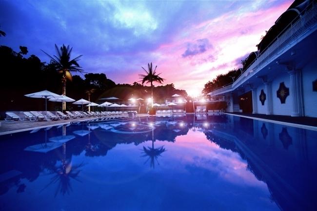 今年のホテルニューオータニのプールは7月15日から!