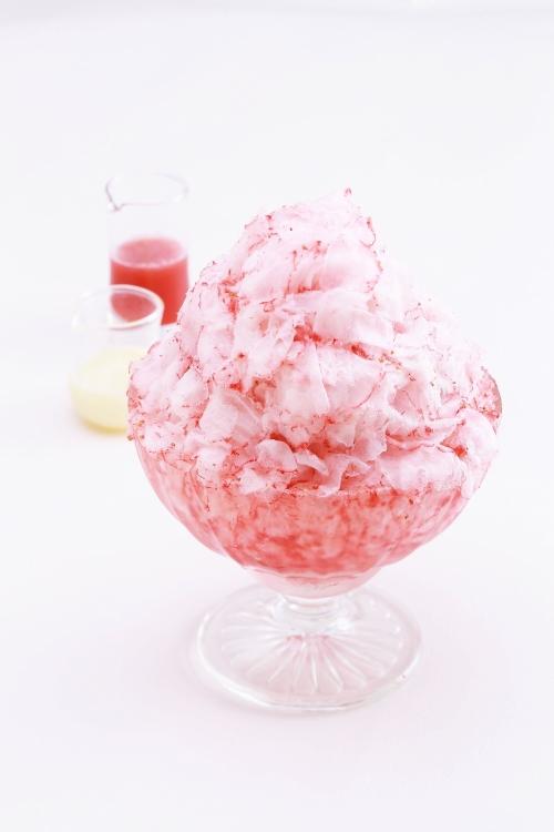 丸ごと苺のかき氷