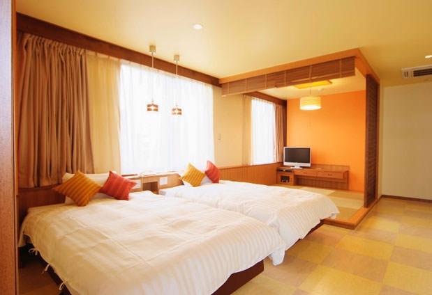 女4人の女子旅におすすめの沖縄の宿④ホテルサンパレス球陽館