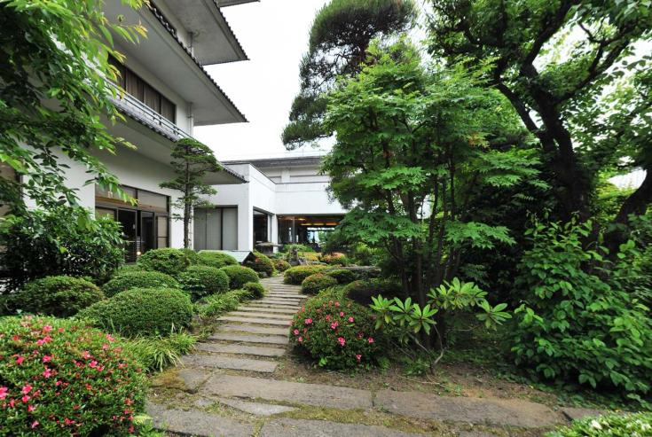 上諏訪温泉「ホテル鷺乃湯」の魅力②老舗の風格を感じる建物