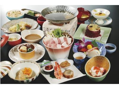 上諏訪温泉「ホテル鷺乃湯」の魅力③お部屋で味わう会席料理