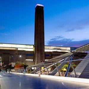 ロンドンっ子もこぞって通う♪クールな「テート・モダン美術館」とは