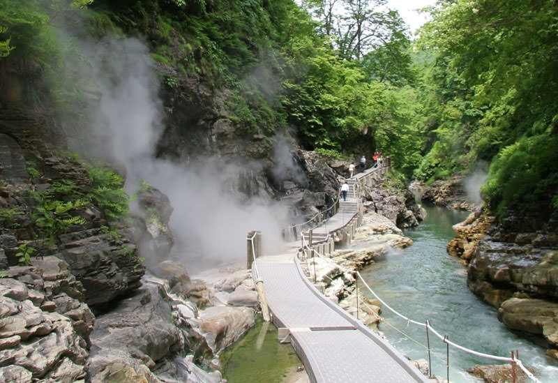 秋田の大自然を満喫できる観光スポットが点在