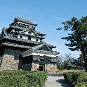 全部答えられる?日本の三大「湖城」とその見どころ