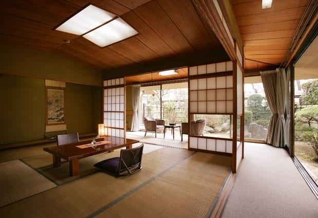 日本情緒たっぷりの客室と庭園