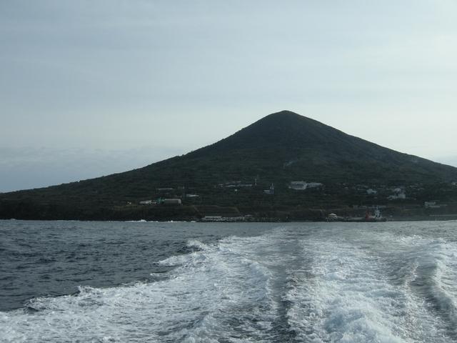 周囲約8キロの小さな離島・利島