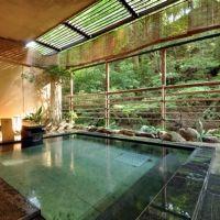 厳島神社から徒歩3分。日本の建築美が残る宿「みやじまの宿 岩惣」