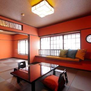 豪華絢爛、個性的!有名な美術デザイナーたちが造り上げた異色の宿