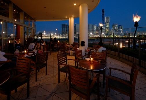 「Aloha Table Ocean Breeze Hawaiian Eats with MuuMuu Coffee」で大満足ディナー