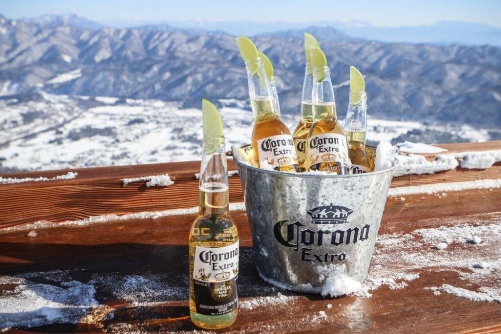 北アルプスの雪山を望む絶景テラスと幻のバーが今年もオープン!その4