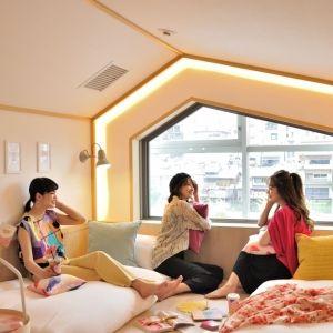 """京都女子3人旅に新提案!""""女子旅をデザインする""""カフェ&女性専用ホステル誕生"""