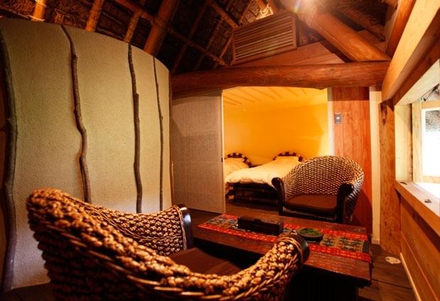 古代の暮らしを疑似体験できる宿「松園」