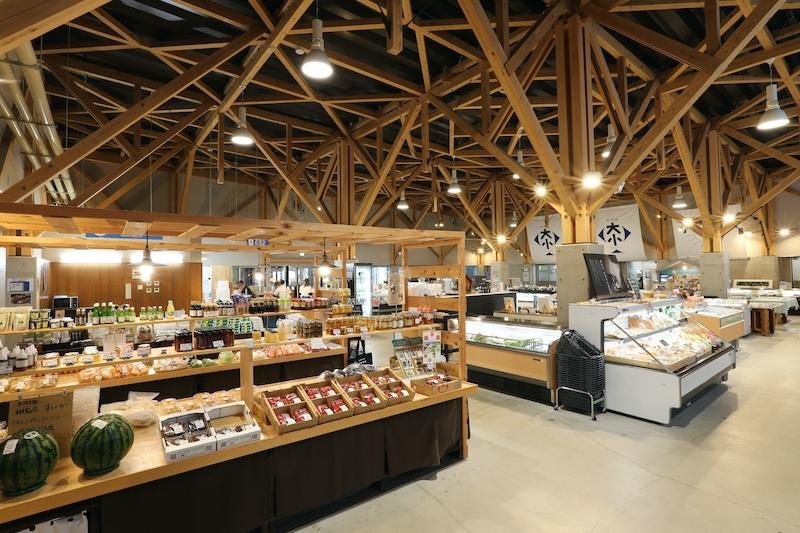 地域最大級の直売所「農水産物ショップ」