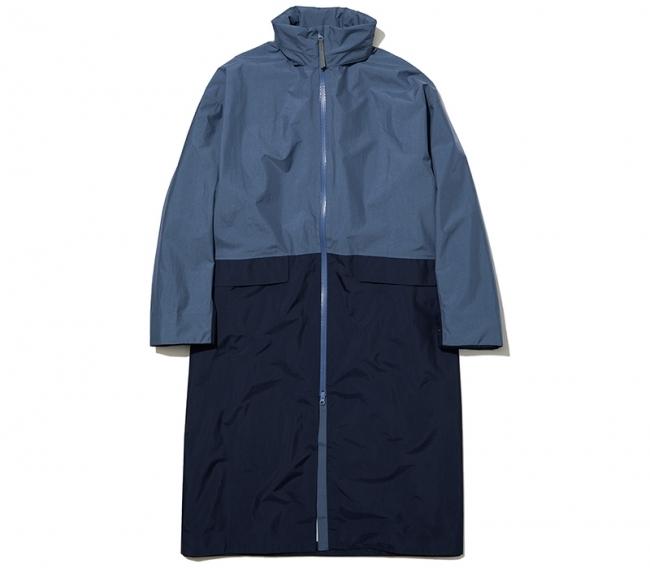 雨の日じゃなくても着たくなるツートンカラー。「LandNorm」のレインコート