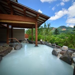 絶景温泉に山形牛。自然の恵みを体感できる「蔵王四季のホテル」へ