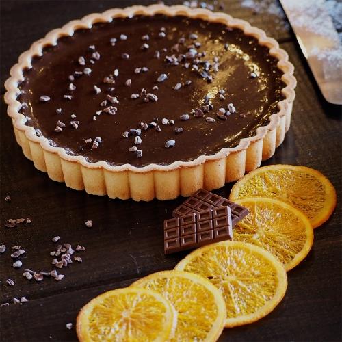 オレンジ薫るブラウンチョコレートのクリームチーズタルト