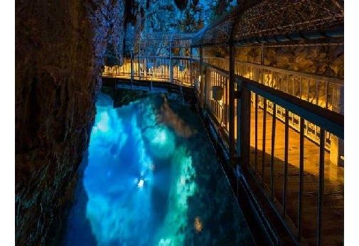 神秘的な世界を探検! 龍泉洞