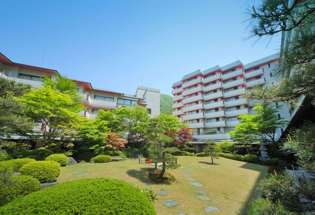大きな日本庭園を有するホテル