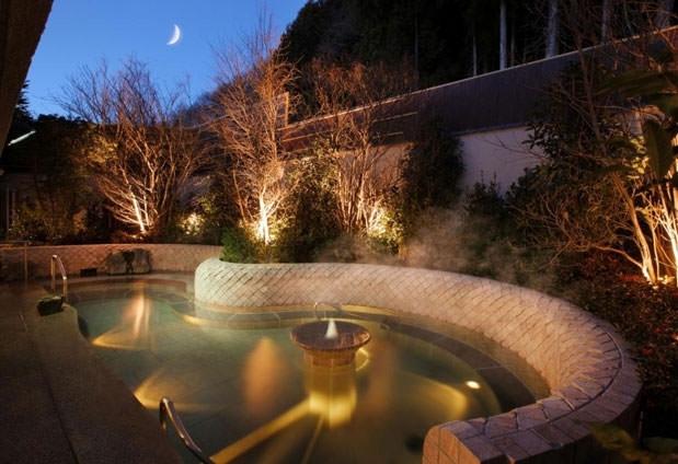 露天風呂、大浴場や5つの貸切風呂で湯めぐりを。鬼怒川の閑静な隠れ宿その4