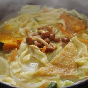秋はあったか地元名物料理を味わう旅へ。全国おすすめ郷土料理3選