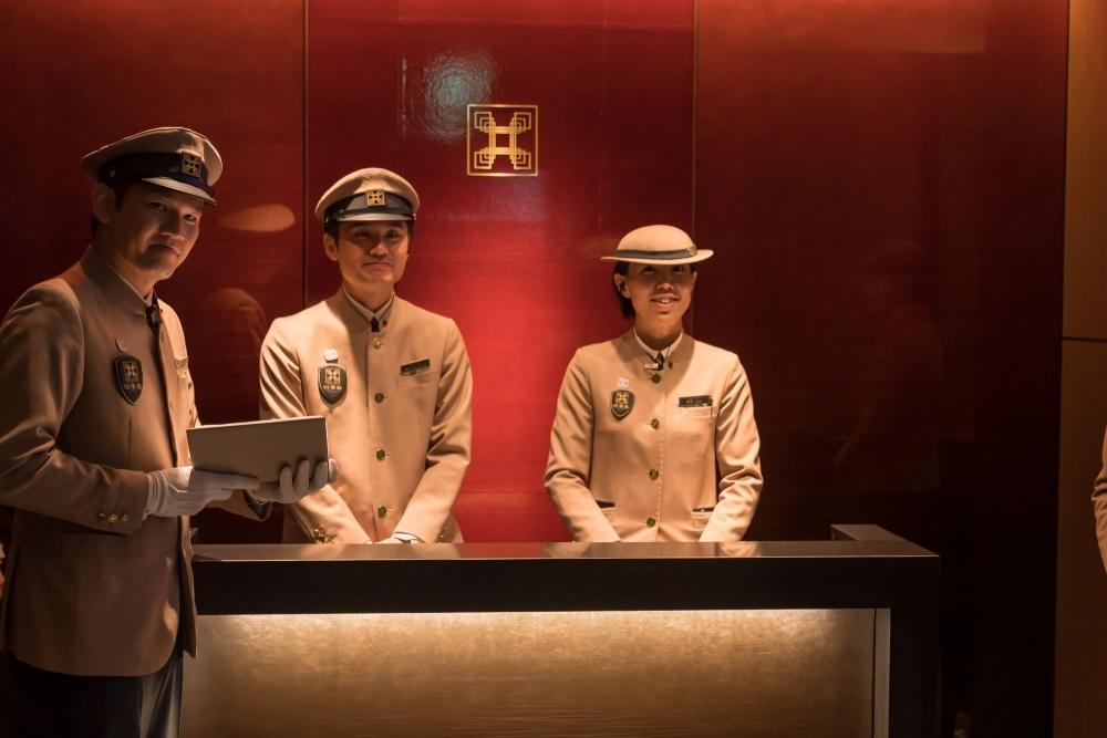 出発の前に、乗客専用ラウンジ「プロローグ四季島」へ