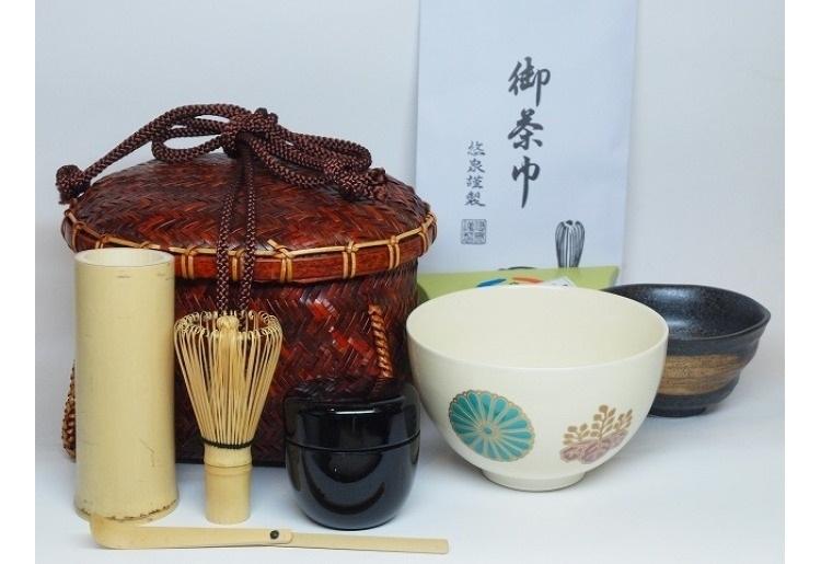 4位 大人の和風ピクニックがこれひとつで「竹籠入 野点茶道具セット」(岐阜)