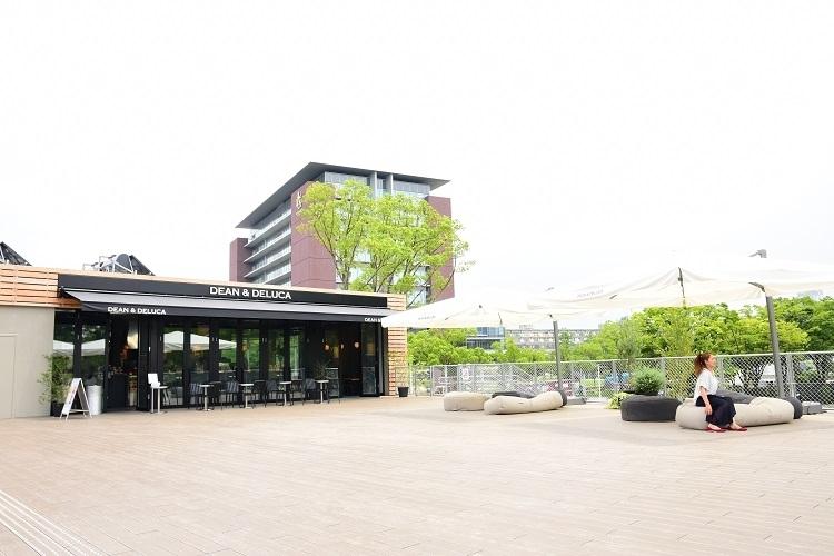 名古屋初業態の「DEAN & DELUCA CAFE名城公園」