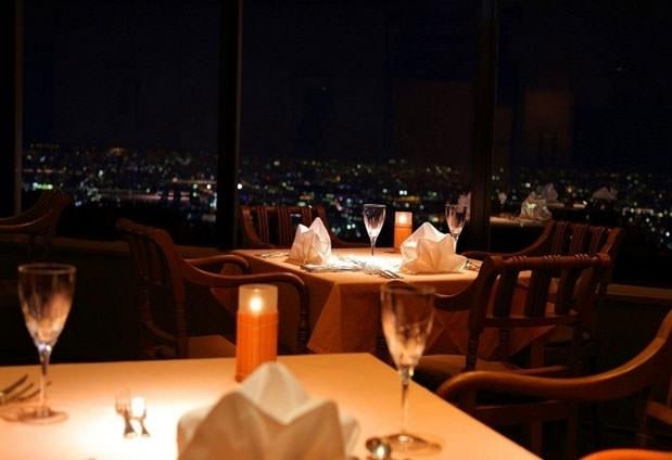 「ホテル阪奈」の魅力③レストランバーで食事を