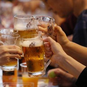 日本初のビヤホールへ、美味しいビールを飲みに!