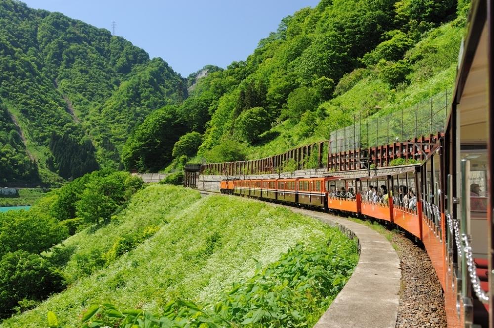 いよいよ新緑の黒部峡谷でトロッコ電車が運行開始!イベントも開催その2