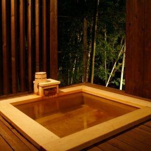 「露天風呂付客室」がある箱根の宿で、贅沢な時間を独り占めしよう。
