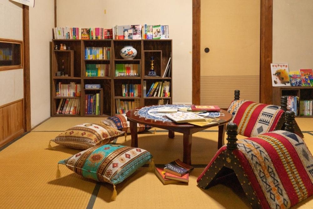 【1】返却期限がない古民家図書館「友栄文庫」(中野区)
