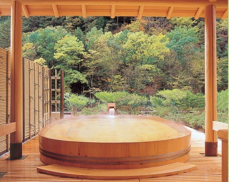 ③枯れることなく湧き続ける湯|ギネス認定!『世界で最も歴史のある宿』