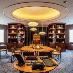 「シェラトン・グランデ・オーシャンリゾート」のレタールームで宮崎旅の思い出を送る