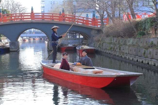 冬限定の楽しみ「こたつ舟」で川下り