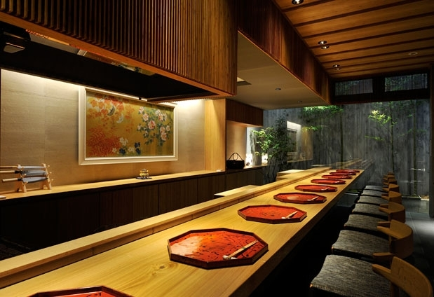 「Small Luxury 京都 石塀小路 龍吟」の魅力②夕食はカウンター割烹で