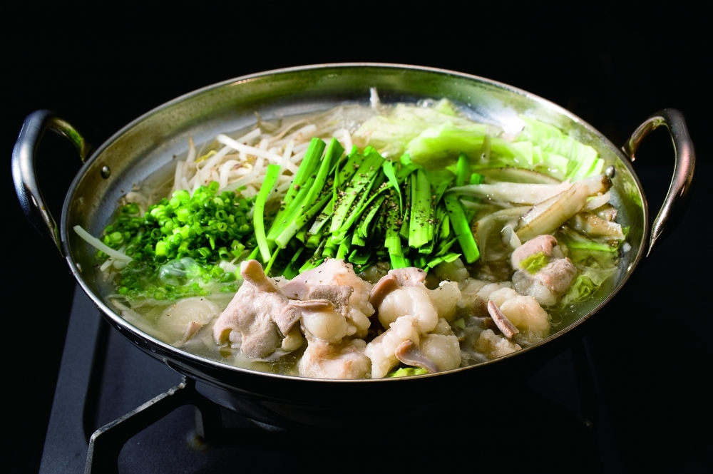 もつ鍋×牛串料理「牛串とらまめ と もつ鍋こ豆」
