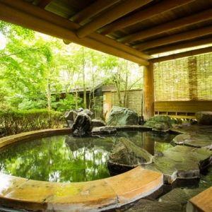 自然に溶け込むような体験を。贅沢な湯布院の宿で極上の時間を過ごす