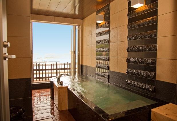 露天風呂付きユニバーサルデザインフロア「海の座」