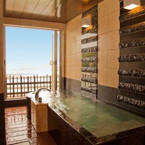 露天風呂付きユニバーサルデザインルーム完備。親子三世代で泊まりたい宿