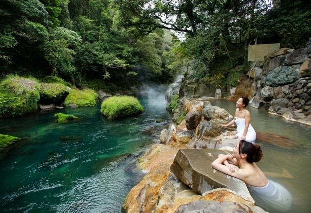 絶景の渓谷美に出合う旅。豊かな自然に囲まれた露天風呂でリフレッシュその2
