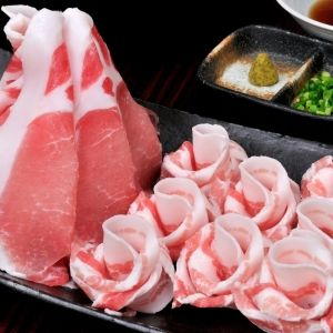 沖縄グルメが満載!希少な「やんばる島豚あぐー」をしゃぶしゃぶ&焼肉で